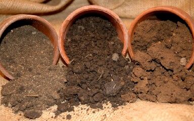 Soil cultivation tips for consolidation of garden soil for Different types of soil and their uses