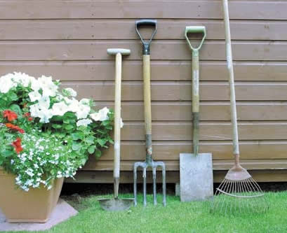 Pulling out old plants Essential-garden-tools