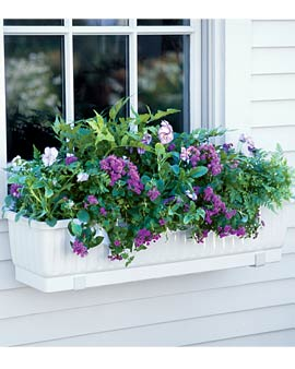 my very first experience with container gardening ideas for a window planter or window box began when i used a wooden tomato basket with a metal handle and