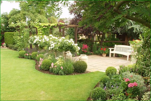 Trees and hedges - Mixed style gardens ...